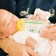 赤ちゃんのミルク後にゲップを出す方法や手順は?|専門家の見解