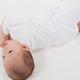 体の大きい赤ちゃん、寝返りの時期が他の子よりも遅い?|専門家の見解