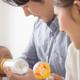 2ヶ月の赤ちゃんの混合育児。粉ミルクの適正量は?|専門家の見解