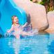 夏休みにはウォータースライダーのあるプールではじけよう|京都府