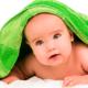 赤ちゃんの向きぐせで頭の形が気になる…治す方法は?|専門家の見解