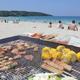 バーベキューと海水浴が一気に楽しめるビーチスポット特集|関東編