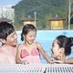 プールや海におすすめの髪型5選|アレンジ方法や便利グッズは?
