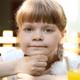 車酔いしやすい子どもへの対策と嘔吐の原因とは?|専門家の見解