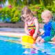 「プール熱」は水で感染する?症状や自宅でのケア方法|専門家の見解