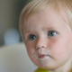 子どもの食物アレルギーはなぜ起こる?原因や治療法とは|専門家の見解