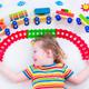 子どもの家遊びアイデア。身近なもので簡単に楽しく!