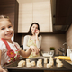 親子で料理しよう!子どもと使えるレシピ本3選