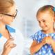 予防接種の間隔はあけるのに、同時接種はなぜ良いの?|専門家の見解