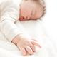 赤ちゃんのお昼寝マットおすすめ6選|コンパクトで持ち運びOK