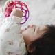赤ちゃんの発達に合わせたベビーおもちゃの選び方とおすすめ2選