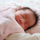 赤ちゃんの枕はいつから使う?頭の形に合う選び方とおすすめ商品