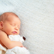 寝かしつけにおすすめな音楽動画7選!新生児・赤ちゃんのママパパへ