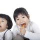 【歯科衛生士監修】幼児期の歯や口の疑問|フッ素、虫歯、歯磨きのコツなど