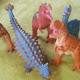恐竜の絵本おすすめ11選!飛び出す絵本、3Dや迷路に感動作も