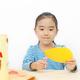 手作りおもちゃの作り方2種!赤ちゃんも幼児も一緒に簡単工作