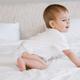 鼻水を取ろうとすると嫌がる1歳児、対処法は?|専門家の見解