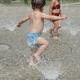 水遊びパンツはプールで大活躍!ムーニー、グーン、布製おすすめは?