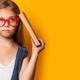 眼鏡をかけない子ども。弱視の治療はもう遅い?|専門家の見解