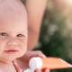 赤ちゃんの日焼け対策とは?日焼け止めは大丈夫?|専門家の見解