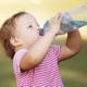 熱中症対策の水分補給、何を飲ませればいい?|専門家の見解