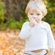 くしゃみが多い子ども…アレルギーの可能性も?|専門家の見解
