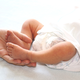 赤ちゃんの股関節脱臼 チェック法と治療、抱っこの仕方で予防