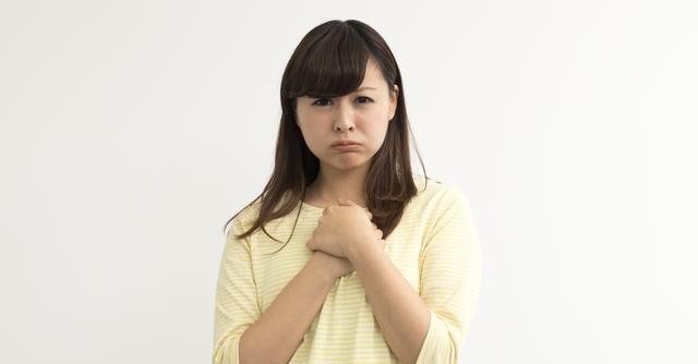 横 に なると 動悸 が する 原因