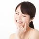 生理前の口内炎は妊娠の兆候?妊娠中にできる原因と対策、予防法