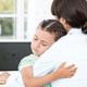 後頭部を強打した子ども。救急車を呼ぶべき?|専門家の見解