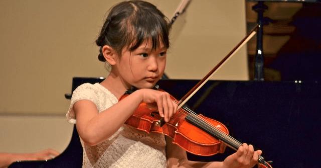 78d80261d08d8f おもちゃバイオリンおすすめ商品|クラシックの自動演奏も|cozre[コズレ]子育てマガジン