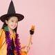 子ども向けハロウィン衣装10選|マントや魔女、ディズニーなども