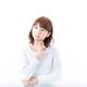 妊娠初期のおりもの|茶色になる原因は?対処法や受診のタイミングを解説