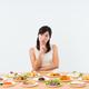 妊娠超初期には食欲がない?増す?症状、食欲不振や旺盛の原因とその対処法