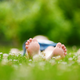子どもの足の臭い対策|ミョウバンや重曹は効果的?おすすめアイテムも紹介