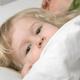 アデノウイルスで目に痛みの症状。眼科に行くべき?|専門家の見解