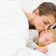 11ヶ月の子ども、発熱で夜間救急を受診していい?|専門家の見解