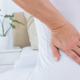 生理でひどい腰痛に…骨がもろくなっている?|専門家の見解