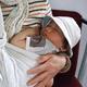 新生児にもおすすめスリング10選|パパと使えるリングありも