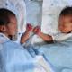 双子の出産祝いに人気のプレゼントは?金額の相場とおすすめ商品10選