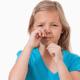 子どもの辛い花粉症!緩和させるための対処法は?|専門家の見解