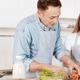 辛い乳腺詰まりを食事によって改善できる?|専門家の見解