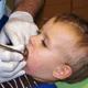乳歯が虫歯の3歳児ですが、治療は必要ない?|専門家の見解