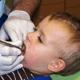乳歯の虫歯、フッ素を塗る治療だけで大丈夫?|専門家の見解