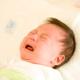 赤ちゃんの中耳炎、受診するのは小児科?耳鼻科?|専門家の見解