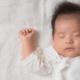 赤ちゃんが泣き止む魔法の音?!|胎内音やオルゴール曲、おすすめアプリも