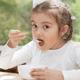 お腹を壊しやすい子ども、乳糖不耐症が遺伝?|専門家の見解