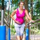 運動中にお腹が張る場合、続けても大丈夫?|専門家の見解