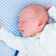 体重が増えない赤ちゃん…起こして授乳すべき?|専門家の見解