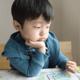 2歳の息子、言葉にせずジェスチャーで伝えてきます|専門家の見解